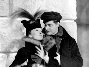 Marlene Dietrich et Robert Donat dans Knight Without Armour (1937)