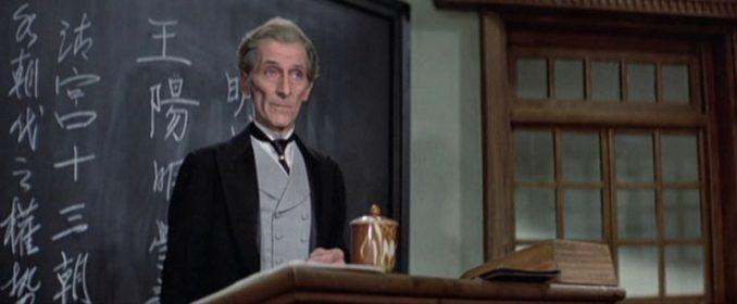 Peter Cushing dans The Legend Of The Seven Golden Vampires