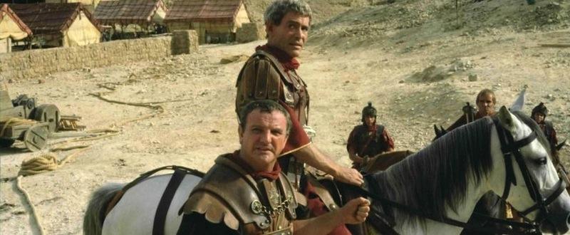 Peter O'Toole dans le rôle du général Cornelius Flavius Silva