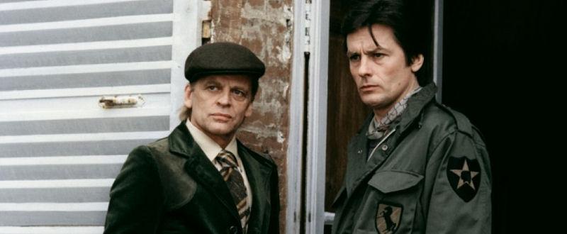 Klaus Kinski et Alain Delon dans Mort d'un Pourri