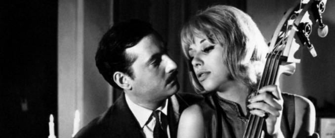 Michel Serrault et Mireille Darc dans Des Pissentlits par la Racine
