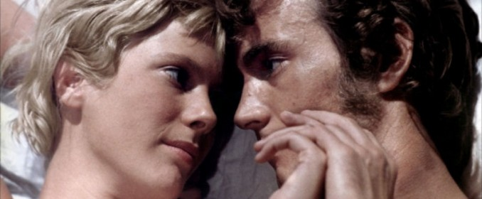 Mimsy Farmer et Robert Walker Jr. dans La Route de Salina