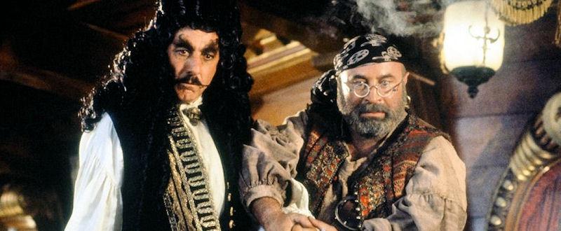 Crochet / Hook (Dustin Hoffmann) et Mouche / Smee (Bob Hoskins)