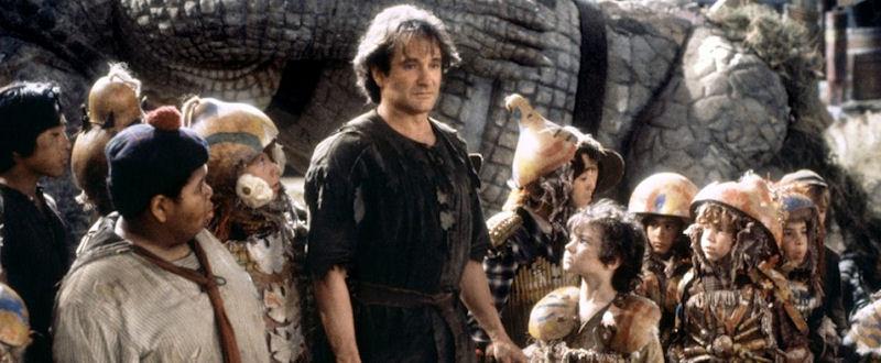 Peter Pan (Robin Williams) et les Garçons Perdus
