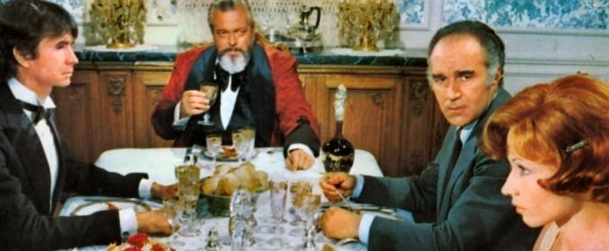 Anthony Perkins, Orson Welles, Michel Piccoli et Marlène Jobert dans La Décade Prodigieuse