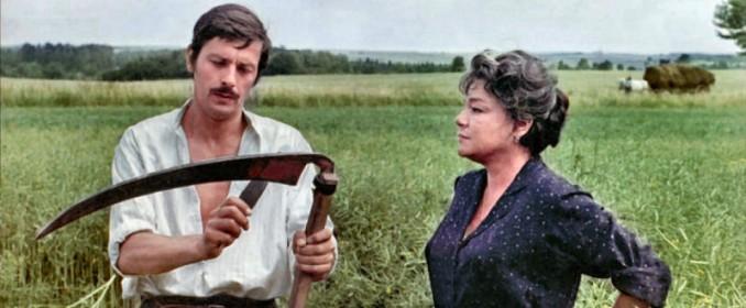 Alain Delon et Simone Signoret dans La Veuve Couderc
