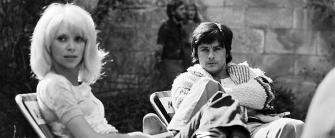 Alain Delon et Mireille Darc dans Madly