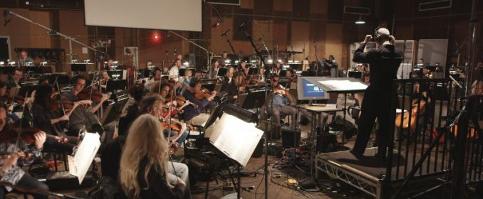 Peter Boyer dirigeant le Hollywood Symphony Orchestra chez Sony