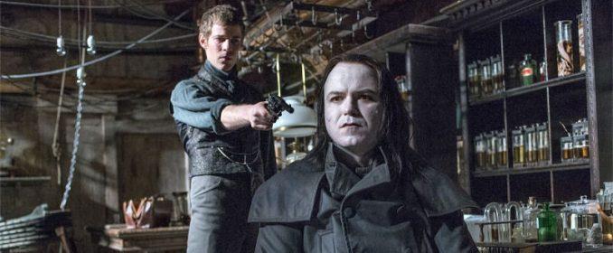 Le Docteur Frankenstein (Harry Treadaway) et sa créature (Rory Kinnear)