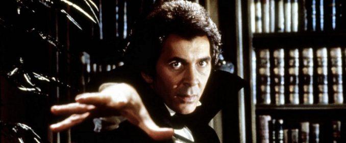 Frank Langella dans Dracula