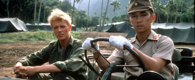 David Bowie et Ryuichi Sakamoto dans Merry Christmas, Mr. Lawrence