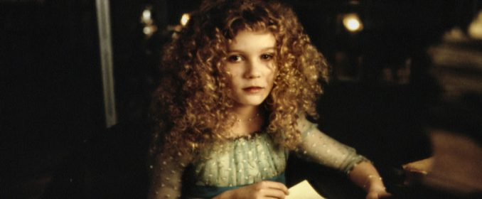 Claudia (Kirsten Dunst)
