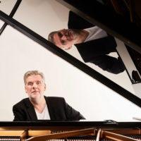 Lalo Schifrin by JMB : ça va jazzer au Pan Piper en mars ! Le pianiste revient pour une nouvelle prestation exceptionnelle autour de l'oeuvre du compositeur argentin