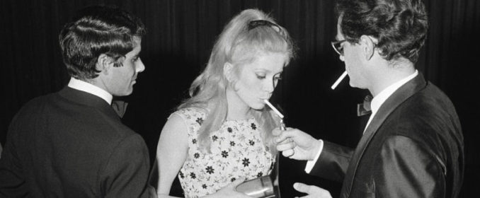 Nino Castelnuovo, Catherine Deneuve et Michel Legrand au Festival de Cannes en 1964