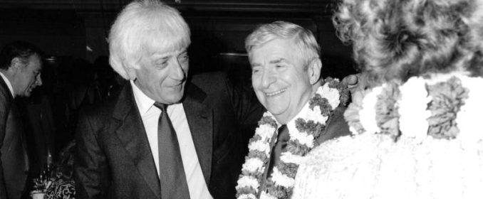 Jerry Goldsmith et Alfred Newman en 1985, célébrant le départ en retraite de ce dernier