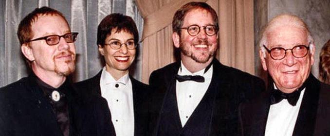 Jerry Goldsmith avec Danny Elfman (à gauche) et leur agent commun, Richard Kraft (au centre)