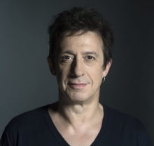 Éric Serra sur la scène du Jazz Café Montparnasse
