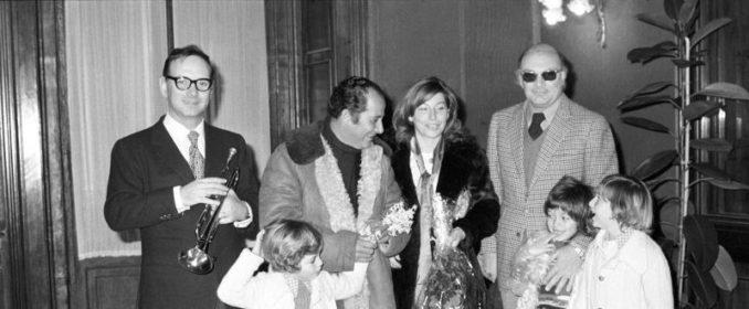 Morricone en 1971, au mariage du réalisateur Gillo Pontecorvo, dont il était le témoin