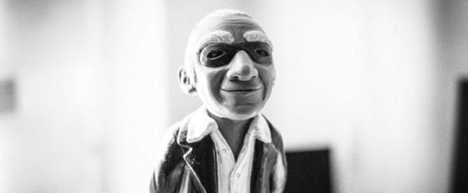 La statuette des Jerry Goldsmith Awards, à l'image de Goldsmith